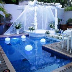 חתונה בחצר