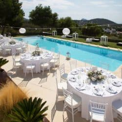 חתונה בבריכה