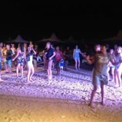 מסיבה בים